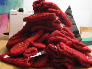 Red Mittens 002