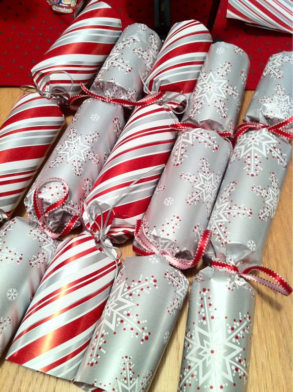 Advent Calendar Day #23 - Christmas Crackers