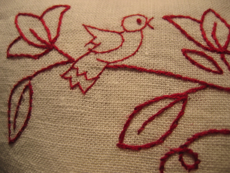 Pillow_bird_detail
