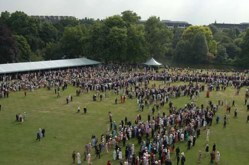 Buckingham_palace_tea_party