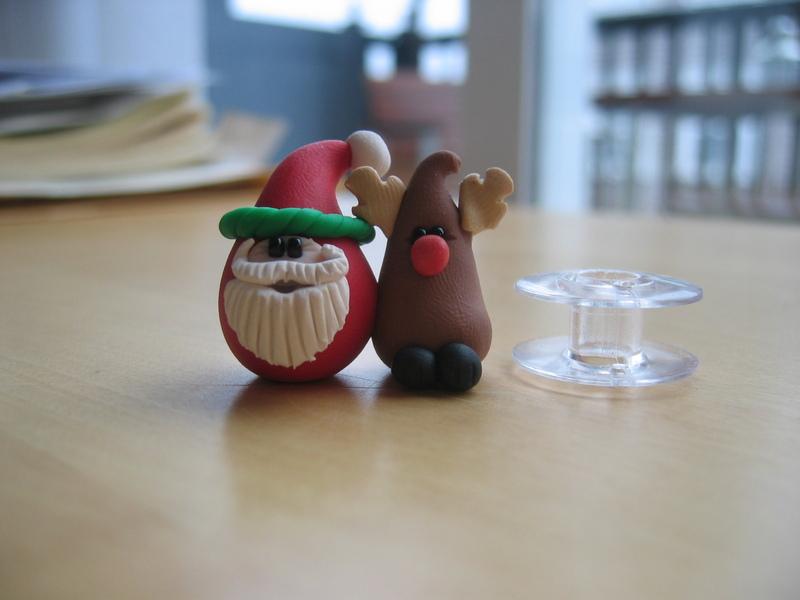 Fimo_santa_and_reindeer_wth_bobbin