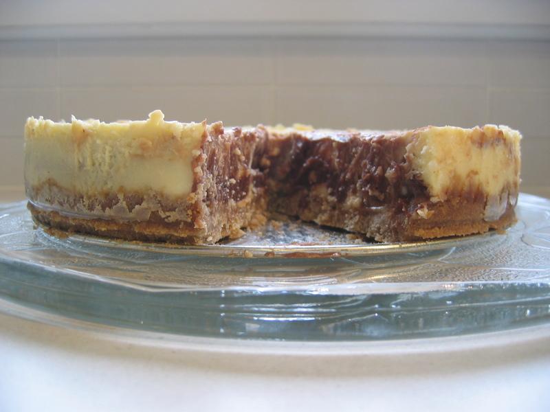 Sliced_cheesecake